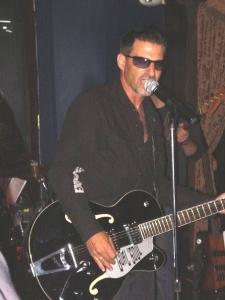 michael_guitar001